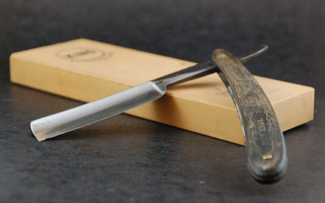 straight razor sharpening
