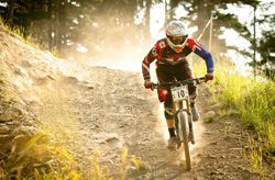 downhill riding mountainbike
